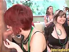 стриптиз, групов секс, жена гол мъж, парти, свирки