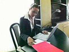 Клаудиа Роси, секретарки, чекия, дупета, офис