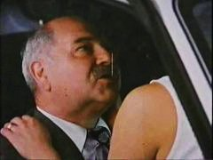 बुड्ढा चोदे नवयुवती, कार, पुरुष