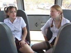 брюнетки, тийнейджъри, автобус, блондинки, свирки
