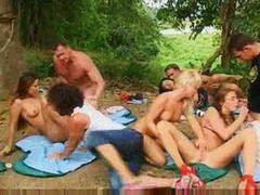 анално, свирки, групов секс, парти, блондинки