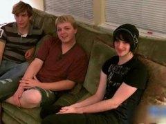 млади гейове, тийнейджъри, трио, момчета, забавни