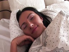 Саша Роуз, празнене, легло, свирки