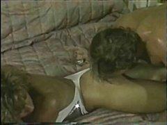 близане, женска доминация, еротика, фетиш, дупета