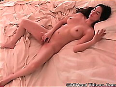 hottie, pussy, bed, girlfriends, amateur