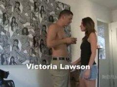 Виктория Лоусън, вътрешно, свирки, задна прашка