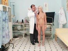 аматьори, гинеколог, доктор, блондинки, вагина