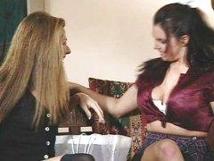 Анджелика Син, лесбийки, играчка