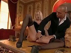 Melissa Black, pienet rinnat, kova porno, takapuoli, anaali, sormeilu, pornotähti, alusasu