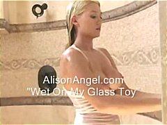 naturlige bryster, legetøj, brusebad, dildo, håndsex, våd sex, bryster, blondiner, bad