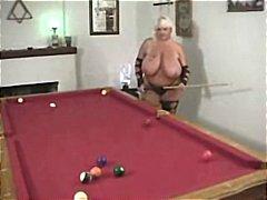 басейн, големи цици, чорапи, едри жени