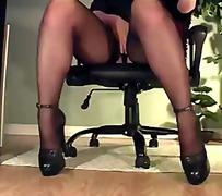секретарки, офис, сливи, гащички, чорапи
