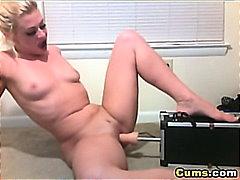 sormeilu, tissit, soolo, orgasmi, ruiskinta, isot rinnat, siemensyöksy, pillu, webkamera, dildo