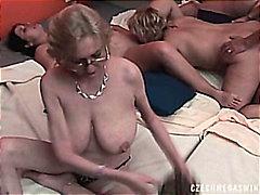 групов секс, суингъри, домашно видео, чехкини