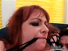 Кайли Айрланс, на лицето, празнене, играчка, гонзо