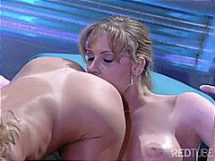 мастурбация, лесбийки, големи цици, страп-он