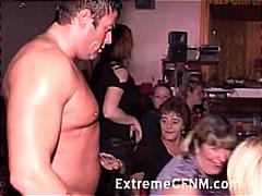 масов секс, жена гол мъж, парти, свирки