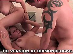 stars du x, éjaculations, pipes, 2 femmes 1 homme, blondes