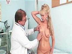 гинеколог, блондинки, широко отворени путки