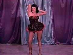 klassicheskiy-striptiz-video