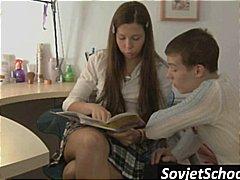 легло, тийнейджъри, училище, рускини