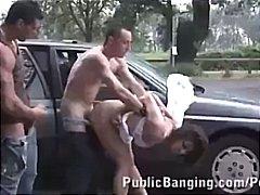 брюнетки, публично, групов секс, слаби