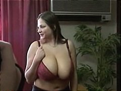 बड़े स्तन, आकर्षक महिला