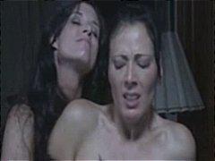 страп-он, женска доминация, лесбийки