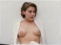 целувка, знаменитости, голи жени