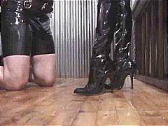 женска доминация, садо-мазо, страп-он, лице, дилдо