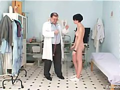 チェコ人, 女性器, 巨乳, 膣鏡, 倒錯プレイ, 病院, 変人