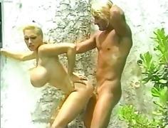 Лиса Липс, порно звезди, плаж, големи цици