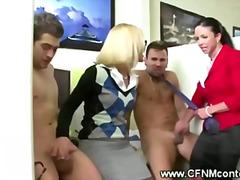 жена гол мъж, чекия, милф, свирки, мама, унижение