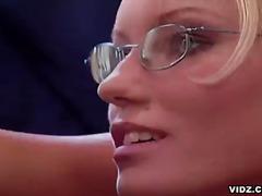 очила, свирки, орално, офис, блондинки, яко ебане