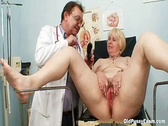 産婦人科, おばあちゃん, 巨乳, 女性器, お医者さん, 熟女