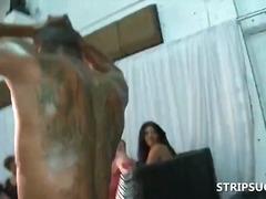 жена гол мъж, реалити, облечени, мечоци, свирки