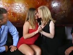 милф, брюнетки, групов секс, големи цици