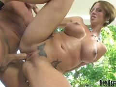 स्त्री उपर, तीन लोगों का सेक्स