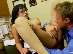 büro, große brüste, pornostar, brille, reif, titten, sekretärin, brünette, monstercock