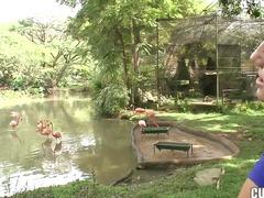 тайландки, лесбийки, яки мацки, естествени цици