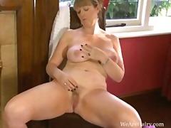 мастурбация, бельо, стриптиз, къса пола, пухкави