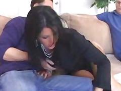 अधेड़ औरत, नौजवान मर्द संग
