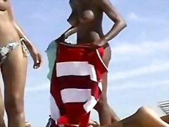 африканки, цици, шпионски, без горнище, прашки