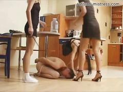 болка, женска доминация, групов секс