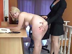 손기술, 레즈비언, 엉덩이 때리기, 금발미녀