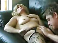 अधेड़ औरत, होजरी में