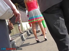 ティーン, 大き目, 金髪, スカート, 尻