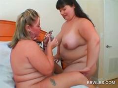 сливи, лесбийки, дебели, мастурбация, едри жени