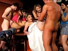 групов секс, облечени, тийнейджъри, голи