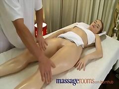 тийнейджъри, естествени цици, масаж, приятелски